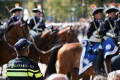 在Prinsjesdag的警察 免版税库存照片