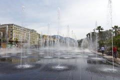 在Promenade du Paillon的喷泉,尼斯 库存图片