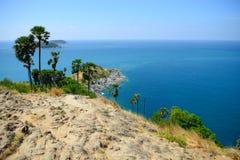 在Promthep海角观点,普吉岛, Thailan的美好的海scape 免版税图库摄影