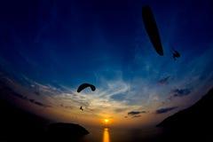在Promthep海角,普吉岛,泰国的日落 库存照片