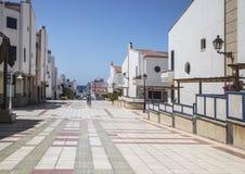 在Puerto de在大加那利岛的las Nieves的五颜六色的铺磁砖的大道, 免版税库存照片