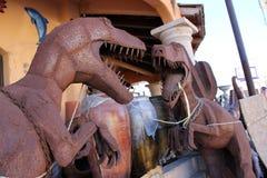 在Puerto Penasco,墨西哥金属化在显示街道边的艺术品 库存照片