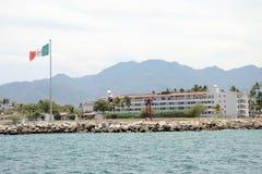 在Pueto Vallarta的墨西哥海军力量 免版税库存图片