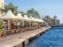 在Punda沿海咖啡馆附近的看法 免版税库存照片
