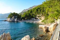 在punta rata海滩旁边的海湾 免版税图库摄影