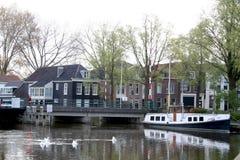 在purmerend的运河 免版税库存照片