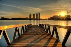 在putrajaya日出的湖 库存图片