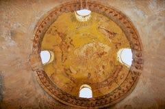 在Qasr Amra一座古老Umayyad沙漠城堡的天花板装饰在扎尔卡,约旦 库存照片