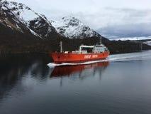 在Raftsundet,诺尔兰县,挪威运送船 免版税库存照片