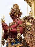 在Rama国王皇家火葬场的红色garuda IV 免版税库存图片