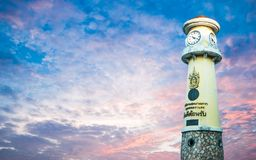 在Rama 3路曼谷泰国, 2017年12月14日的尖沙咀钟楼 库存图片