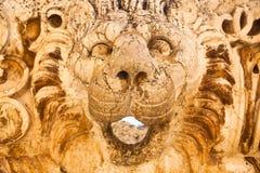 在rancient罗马帝国废墟的狮子顶头雕塑在巴尔贝克在黎巴嫩 库存图片