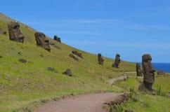 在Rano Raraku火山的Moais, Rapa Nui复活节岛 库存照片