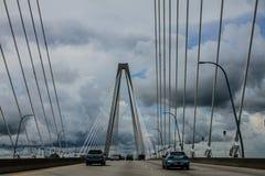 在Ravenel桥梁,查尔斯顿, SC的暴风云 免版税库存图片