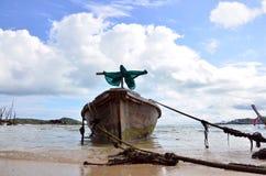在Rawai海滩的渔船普吉岛泰国 库存图片