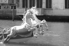 在Regata Storica期间的花梢长平底船在威尼斯,意大利 库存图片