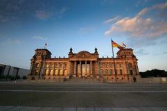 在Reichstag的风景看法在晚上 库存照片