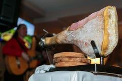 在restourant的猪肉腿 免版税图库摄影