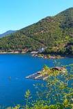 在Rhodopes山的Vacha水坝,保加利亚 免版税库存照片