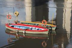 在Riachuelo河的出租汽车小船 库存图片