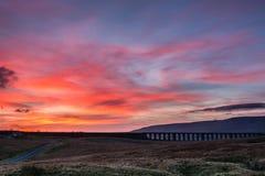 在Ribblehead高架桥的日落 免版税图库摄影