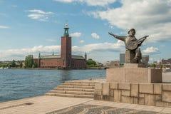 在Riddarholmen外推Taube雕象在斯德哥尔摩 免版税库存图片