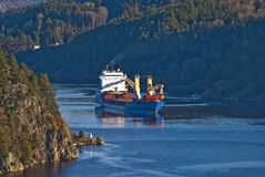 在ringdalsfjord,图象4的大船 免版税库存照片
