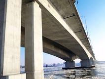 在Riv间的机动车路A1桥梁 免版税库存照片