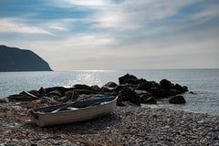 在Riva Trigoso的小船 免版税库存图片