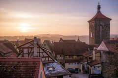 在Rothenburg ob der Tauben,巴伐利亚,德国的日落 免版税图库摄影