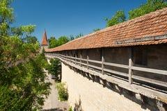 在Rothenburg ob der Tauber的城市墙壁 库存照片
