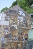 在Rue du从老魁北克市的Petit Champlain的Fresque在加拿大 库存图片
