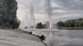在Rusanivka基辅乌克兰的喷泉 免版税图库摄影
