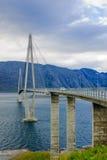 在RV17的挪威桥梁 库存照片