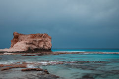 在s附近使cleopatra ・埃及盐水湖marsa matruh靠岸 免版税库存图片