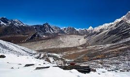 在Sagarmatha,尼泊尔的山横向 免版税库存图片