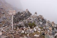 在salcantay线索的Col在ca. 4600米 免版税库存照片