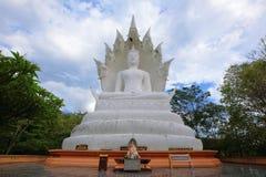在samakeeboonyaram寺庙的菩萨雕象在lampang,泰国 库存图片