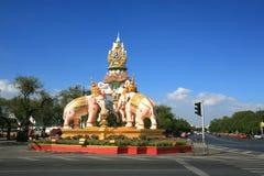 在Sanam装饰的不可能的事情雕象Luang 图库摄影