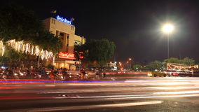 在Sanam Luang附近的Ratanakosin旅馆在晚上 免版税库存照片