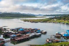 在sangkhlaburi的乡村著名泰国星期一生活方式 免版税库存图片