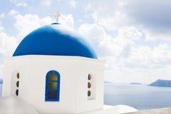 在santorini希腊的教堂钟 图库摄影