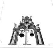 在santorini希腊ol的建筑学白色背景十字架 库存照片