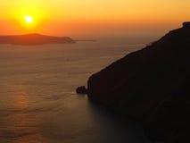 在santorini海运日落的希腊 免版税图库摄影