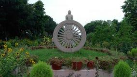 在sarnath印度的Buddhas阁下雕象 免版税库存照片