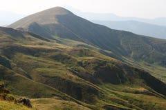 在Scaffaiolo湖附近的山 免版税库存照片