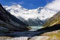 在Schlegeisspeicher湖之上的Olperer 免版税库存照片