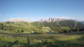 在Sella小组, Bo峰顶、Gardenaccia断层块和Sassongher山顶的时间间隔 亚尔他Badia, Sud提洛尔,意大利 影视素材