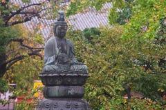 在senso籍寺庙的菩萨雕象在浅草 库存图片