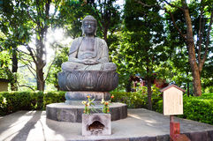 在Sensoji东京日本的菩萨雕象2016年 免版税库存图片
